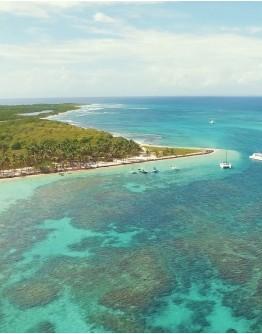 PETITE TERRE ! l'île réserve, la sentinelle... A LA VOILE